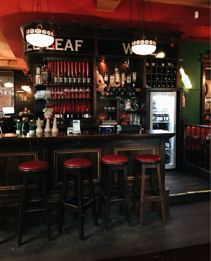 laurel leaf irish pub vienna