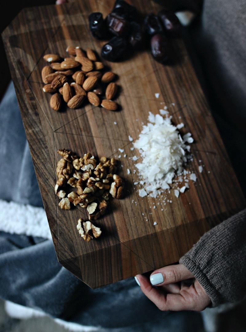 Šta uvijek imam u kuhinji za brzinske (i zdrave) slastice