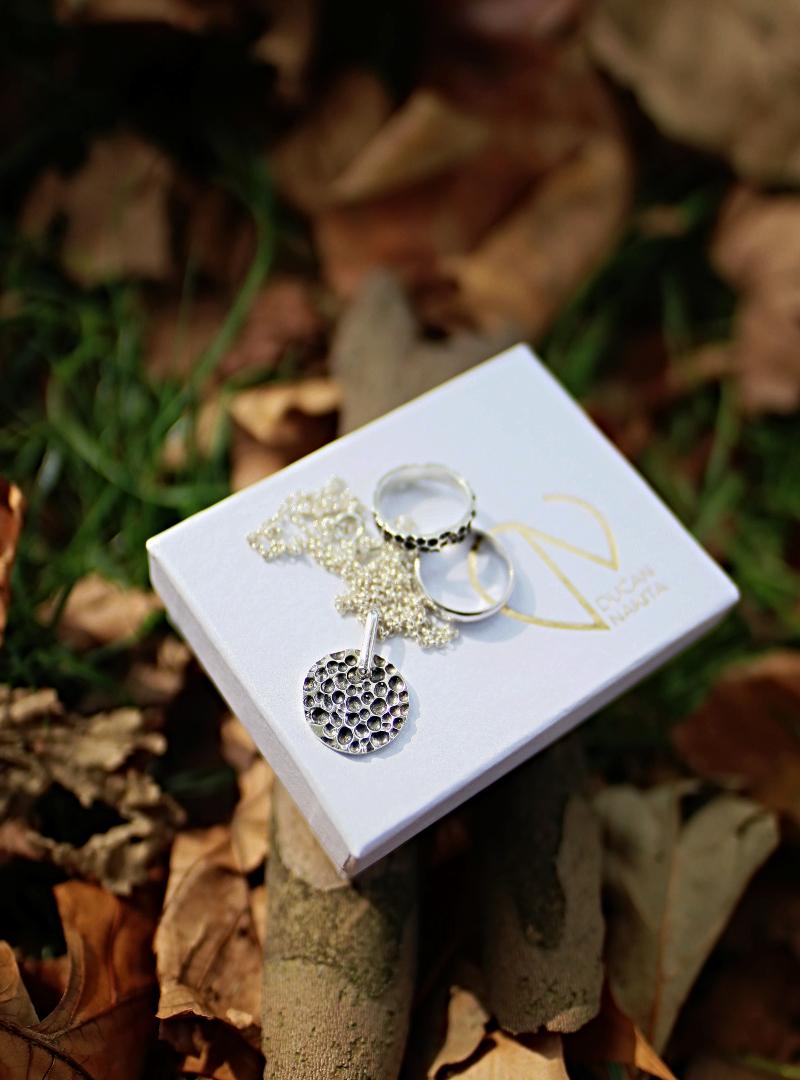 Dućan nakita i dar čarobne Vulcanite kolekcije za godišnjicu